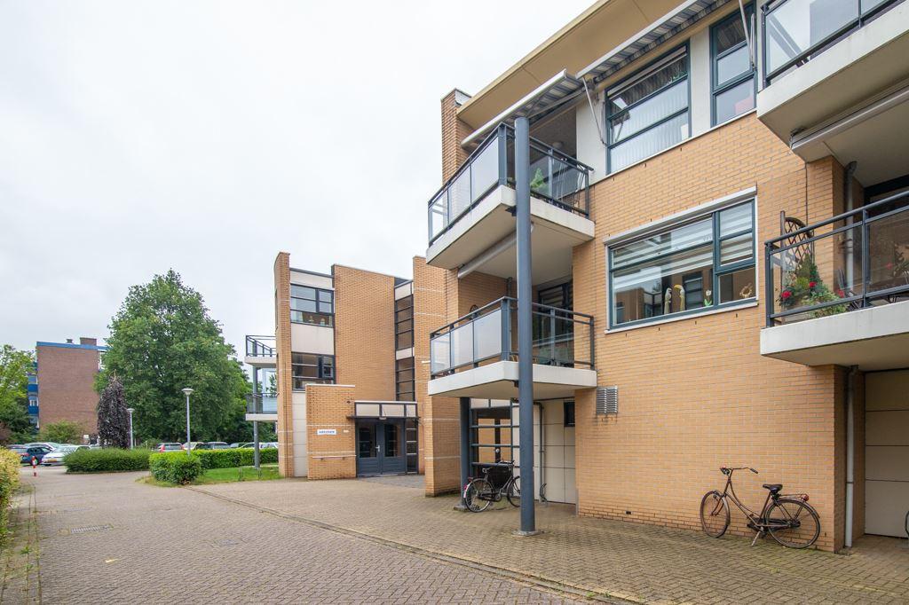 Bekijk foto 2 van Den Uylplein 89