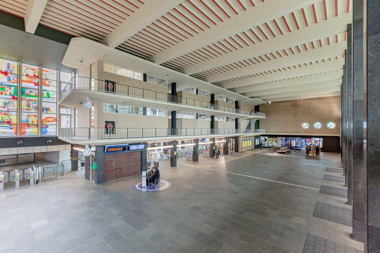 Bekijk foto 2 van Stationsplein 2