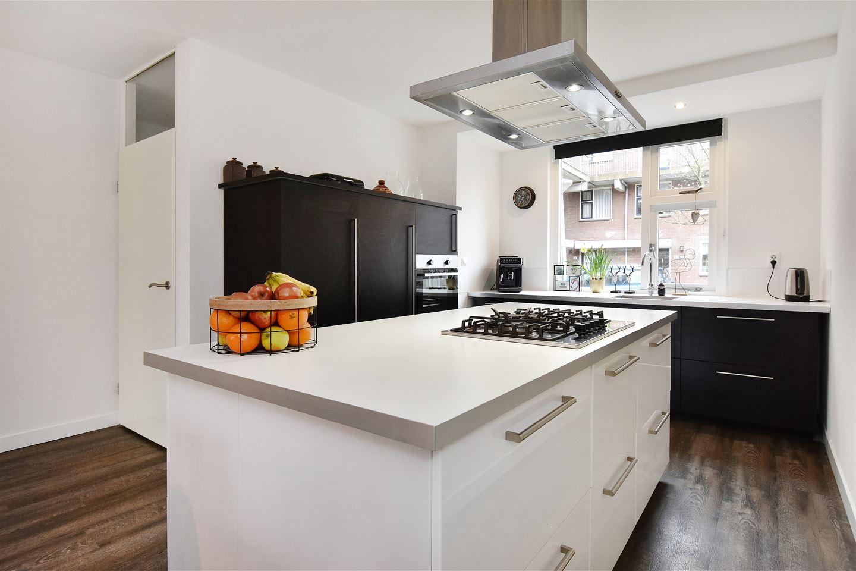 View photo 4 of Jules Massenetstraat 42