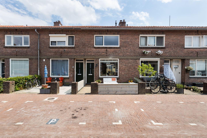 Bekijk foto 1 van De Langestraat 6
