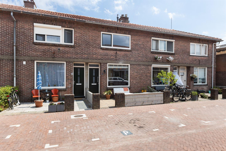 Bekijk foto 3 van De Langestraat 6
