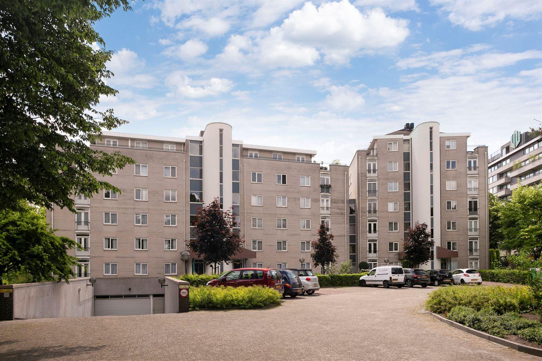 View photo 2 of Burgemeester Des Tombeplein 67