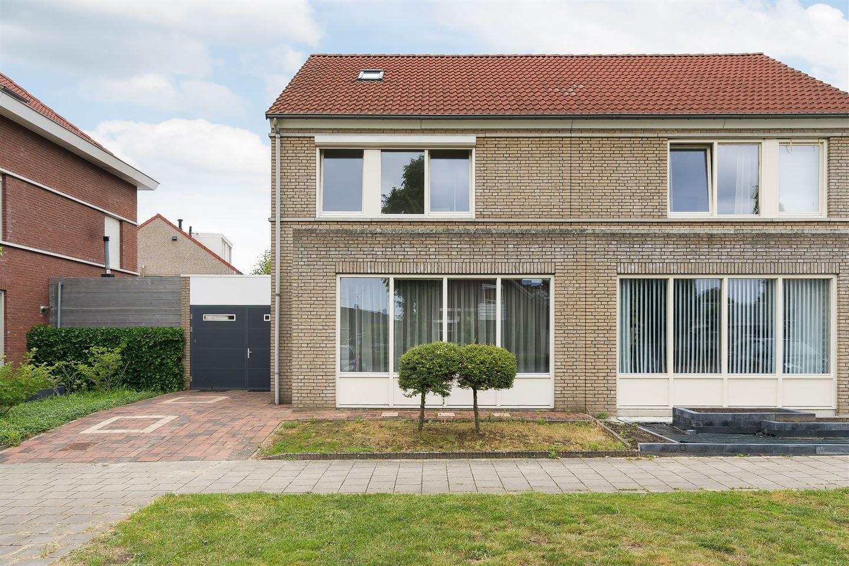 Bekijk foto 5 van Hennesweg 1