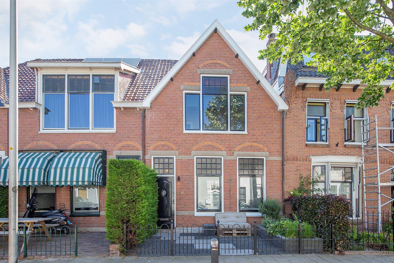 View photo 1 of Hooftstraat 166