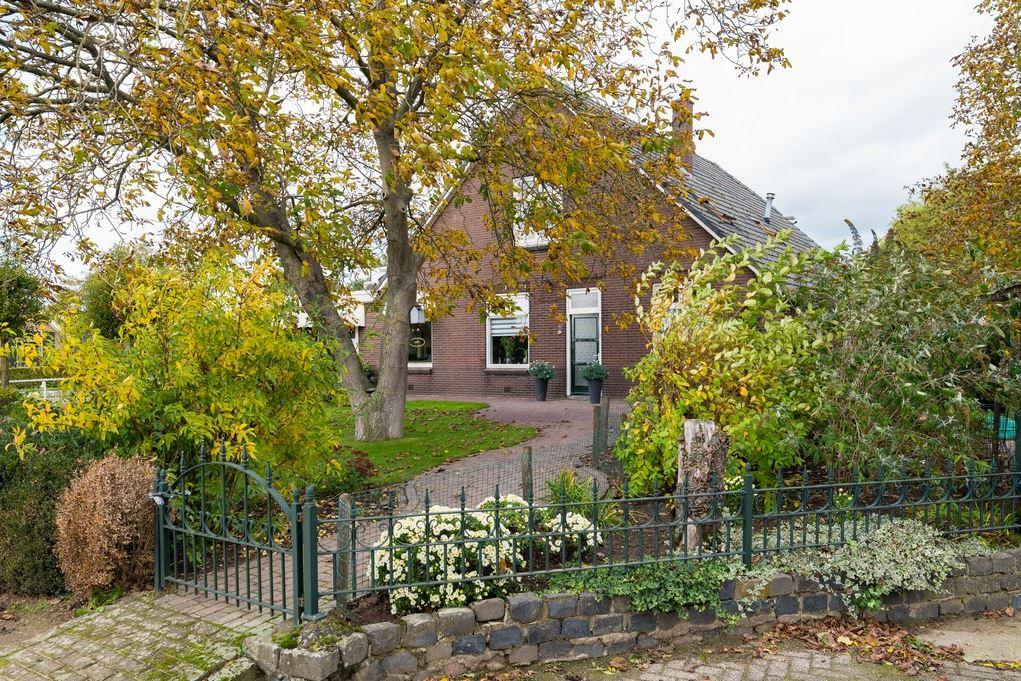 Bekijk foto 2 van Zutphen-Emmerikseweg 6 -6A