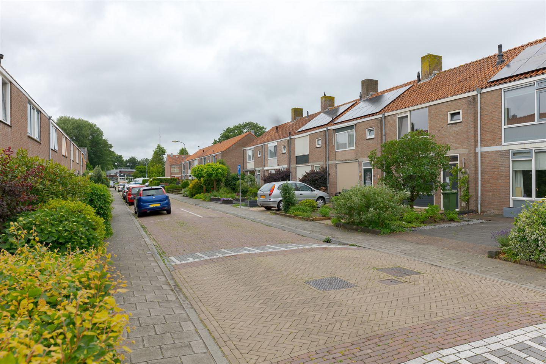 View photo 3 of Begoniastraat 18