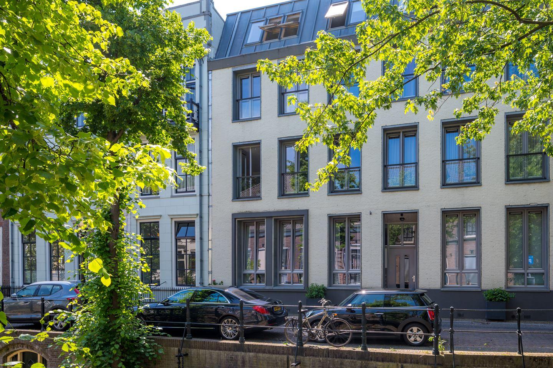 View photo 1 of Nieuwegracht 133 a