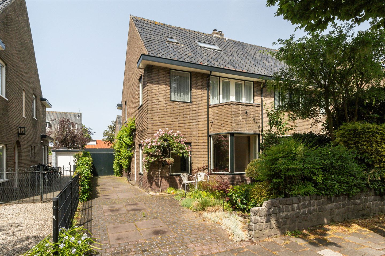 Bekijk foto 1 van Van Beuningenstraat 22