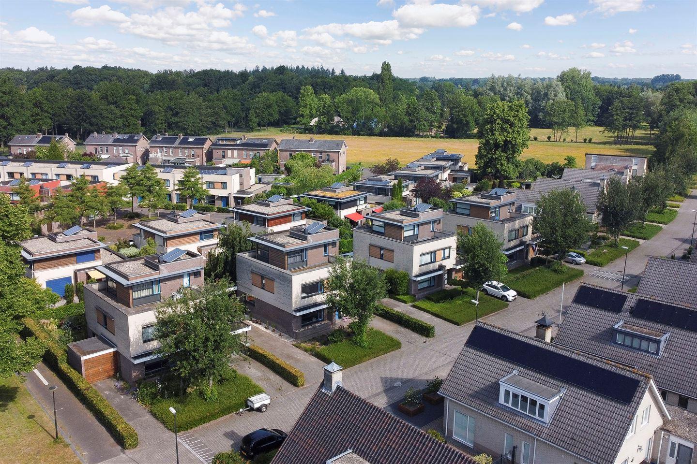 Bekijk foto 2 van De Jagershuizen 35