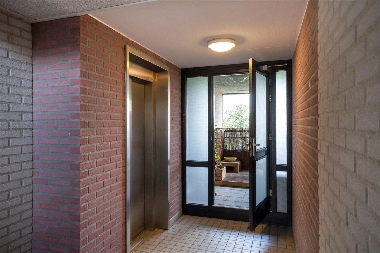 Bekijk foto 3 van Kronenburgerplaats 36
