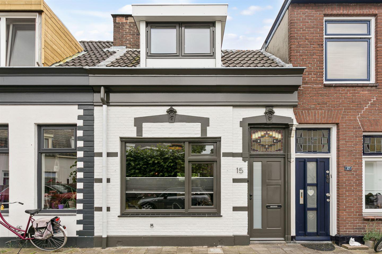 View photo 2 of Spoorstraat 15