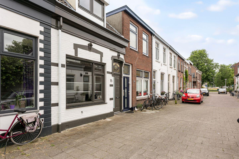 View photo 3 of Spoorstraat 15