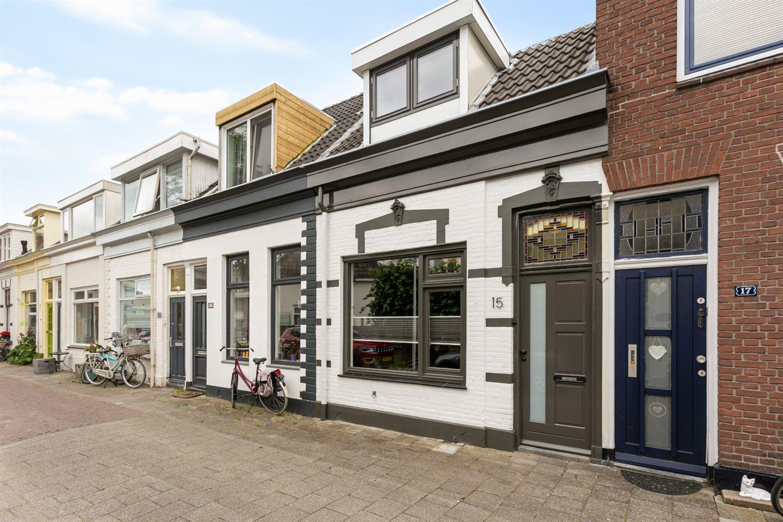 View photo 1 of Spoorstraat 15