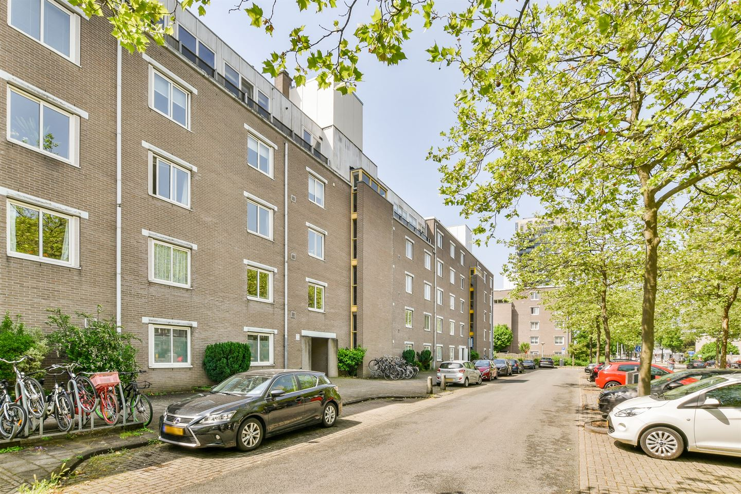 View photo 3 of Arent Janszoon Ernststraat 235