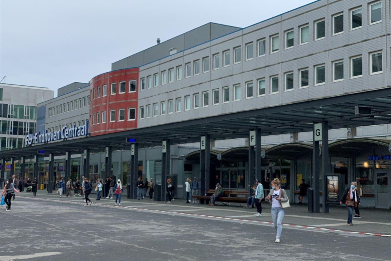 Bekijk foto 5 van Stationsplein 22 -20