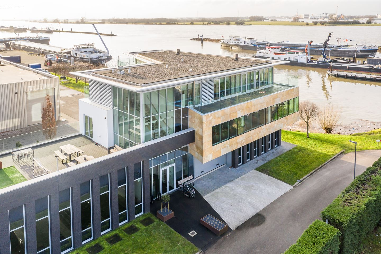 Bekijk foto 2 van Beatrixhaven 43 43a