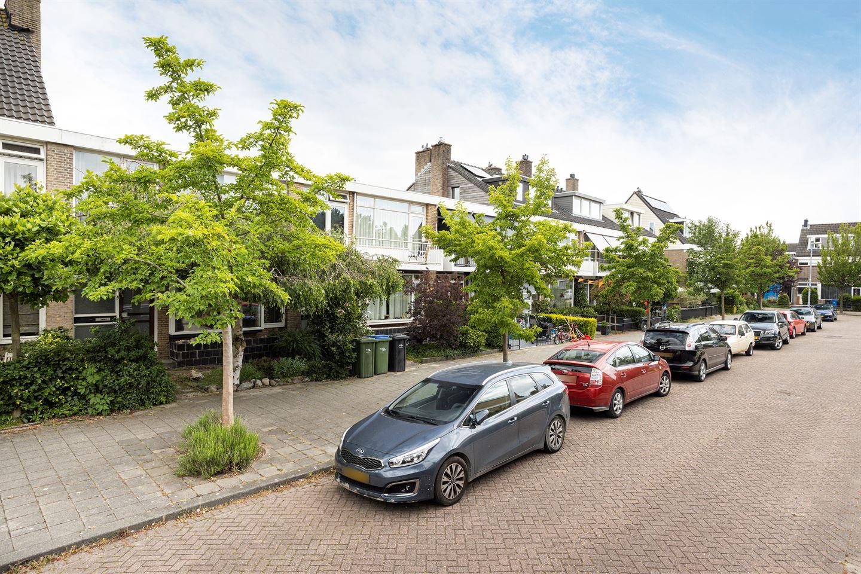 View photo 2 of Diepenbrocklaan 12