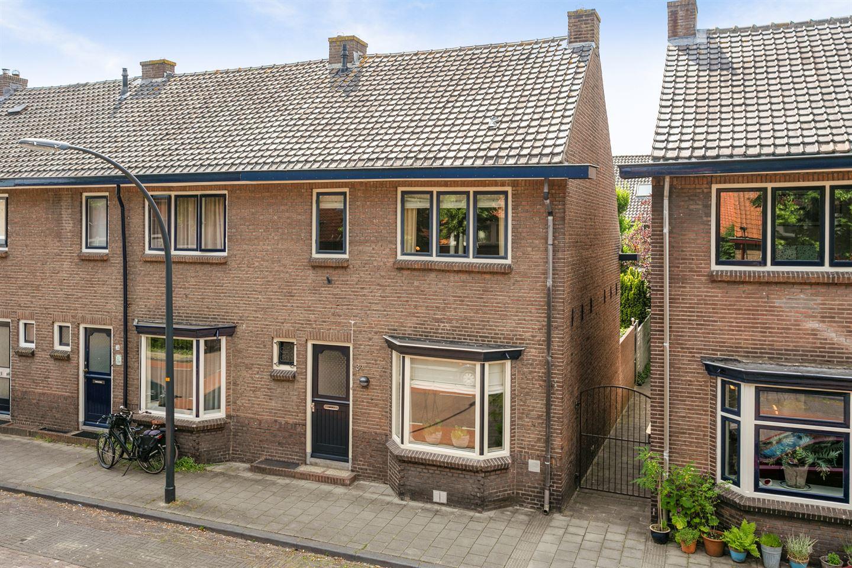 Bekijk foto 1 van Jan Vermeerstraat 34