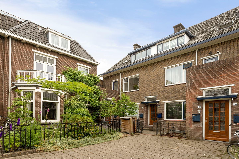 Bekijk foto 2 van Ruisdaelstraat 21
