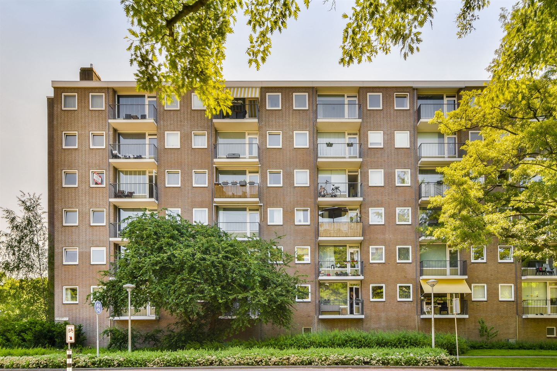 Bekijk foto 1 van Mr. G. Groen van Prinstererlaan 345