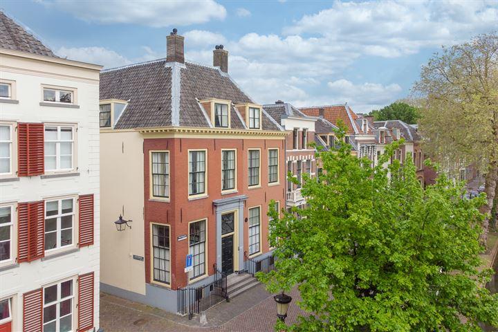 Nieuwegracht 64
