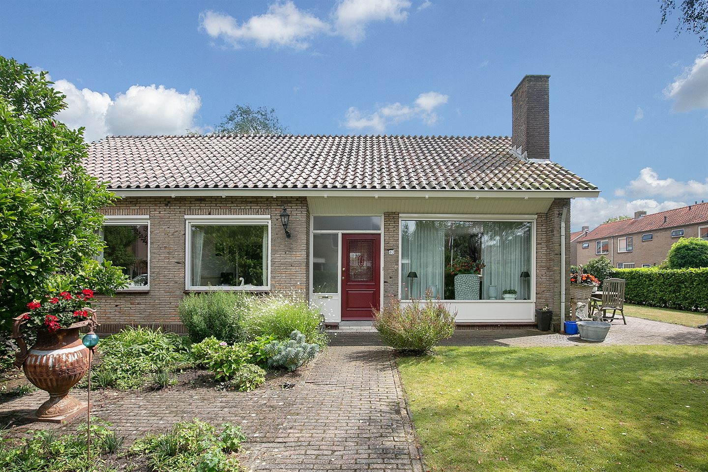 View photo 2 of Laan van Moerkerken 82