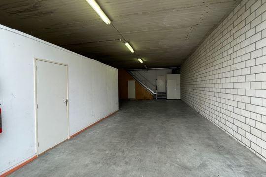 Bekijk foto 3 van Industrieweg 9