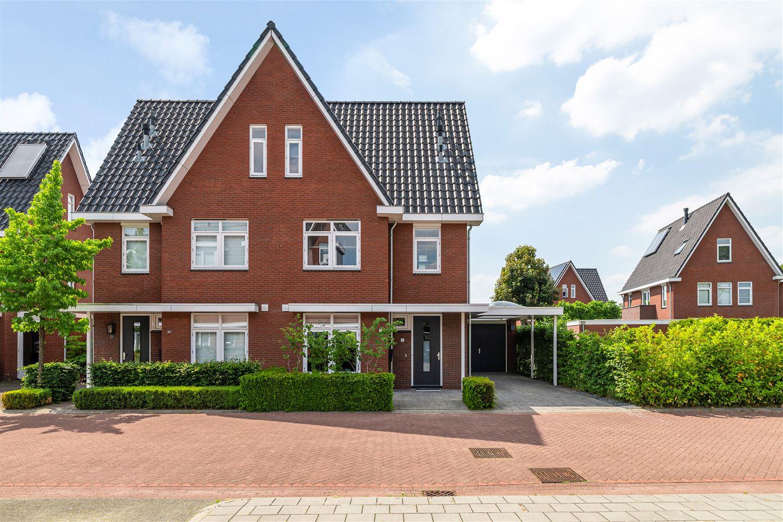 Bekijk foto 1 van Van Hogendorplaan 5