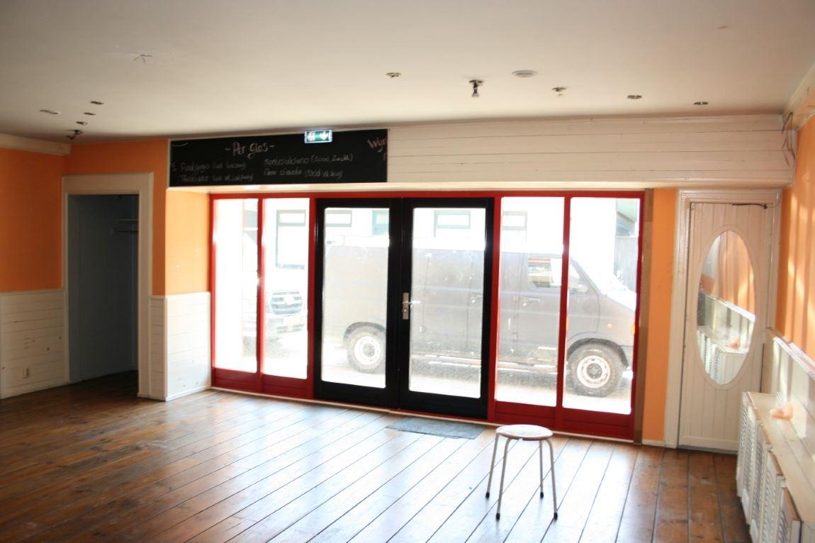 Bekijk foto 3 van Krommenieërweg 110-112