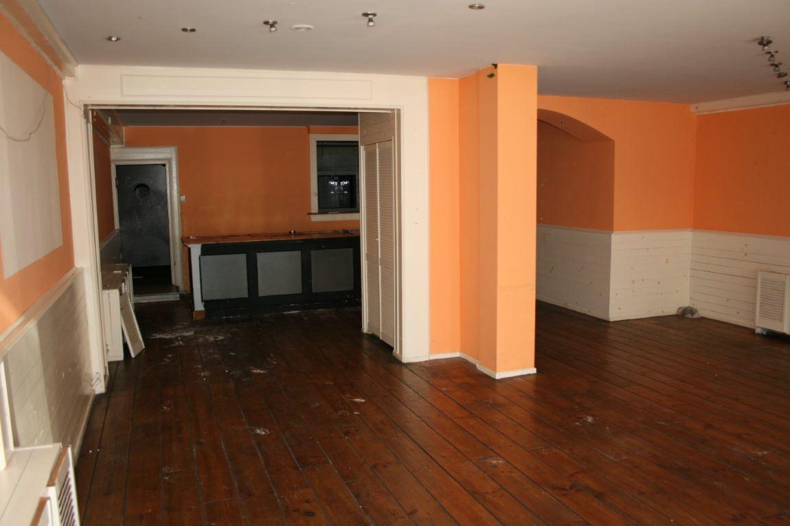 Bekijk foto 2 van Krommenieërweg 110-112