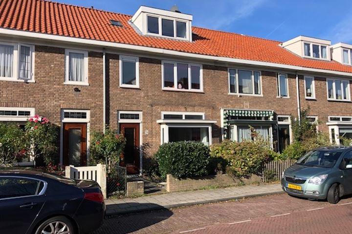 Professor Van der Waalsstraat 24