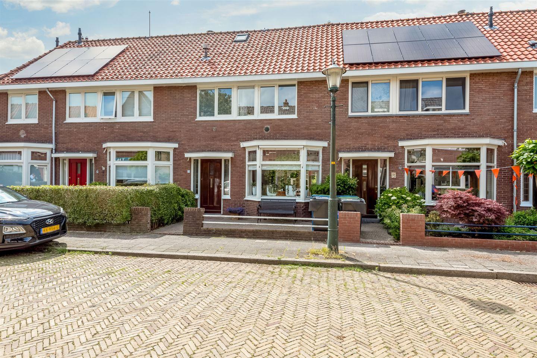 View photo 2 of Houtmanstraat 11