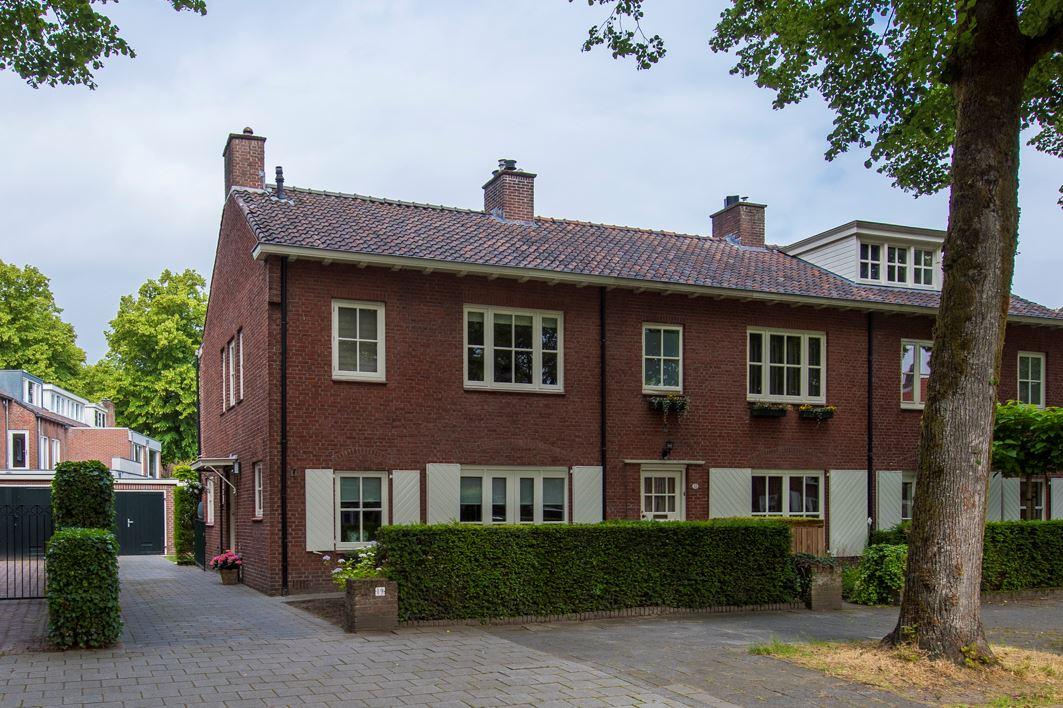 Bekijk foto 1 van Burgemeester Jansenstraat 19