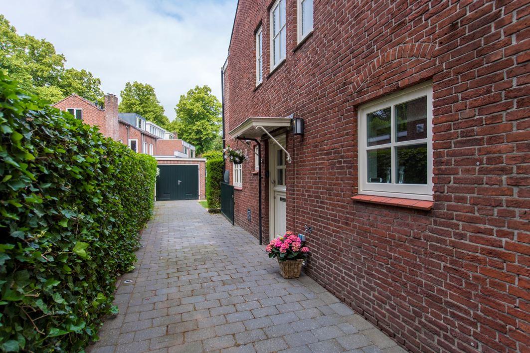 Bekijk foto 2 van Burgemeester Jansenstraat 19