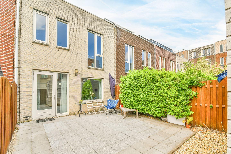 Bekijk foto 2 van John Napierstraat 8