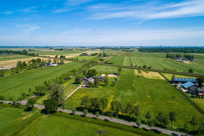 View photo 2 of Peter van den Breemerweg 17 c
