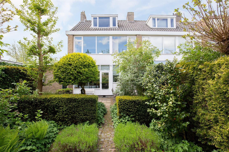 Bekijk foto 2 van H Roland Holststraat 1
