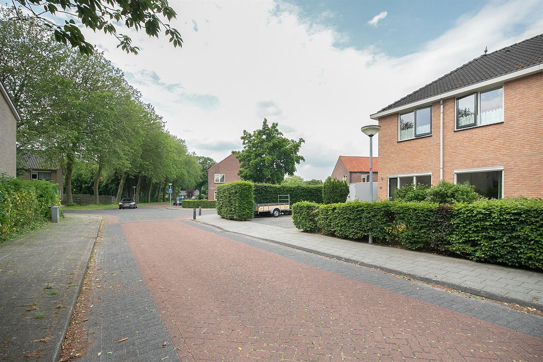 Bekijk foto 3 van Willem van Engenstraat 11
