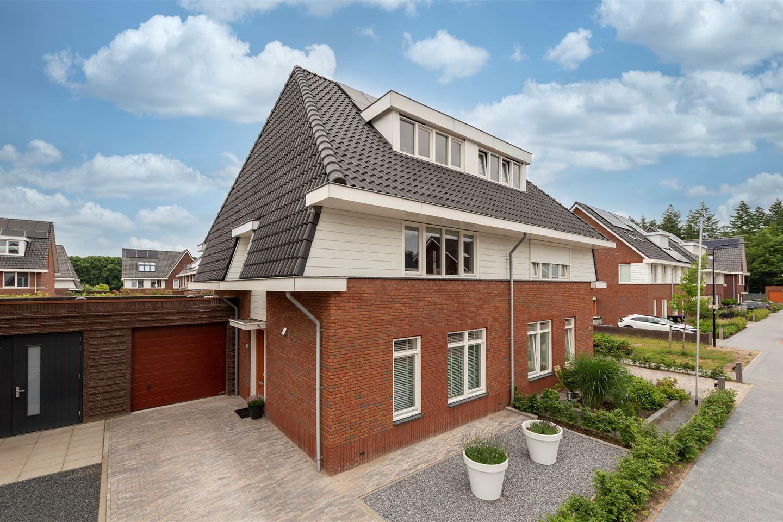View photo 1 of Rutger Loenenweg 19