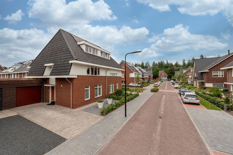 View photo 2 of Rutger Loenenweg 19