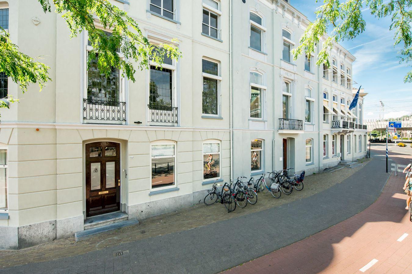 Bekijk foto 3 van Willemsplein 2 -4