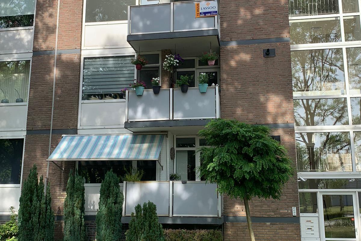 Bekijk foto 1 van Vermeerstraat 63