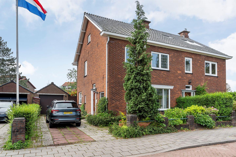 View photo 1 of Parallelstraat 11