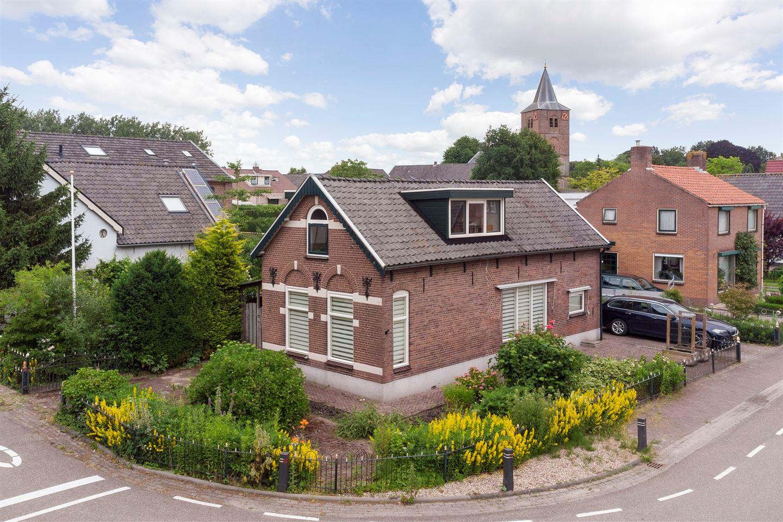 Bekijk foto 2 van Prins Willem-Alexanderstraat 52