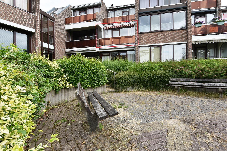 Bekijk foto 4 van Terpstraat 8