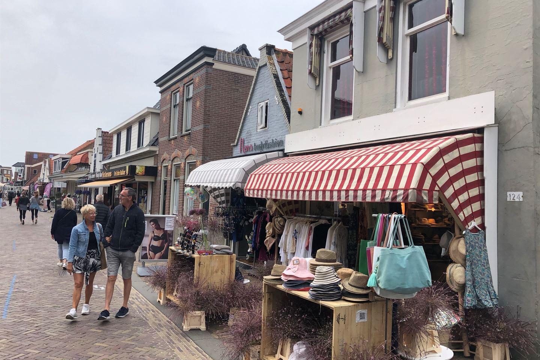 Bekijk foto 2 van Voorstraat 124