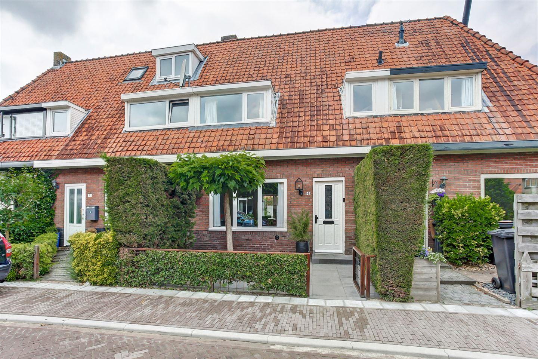 Bekijk foto 1 van Van Hoornstraat 4