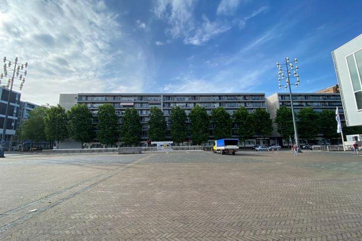 Burg. van Grunsvenplein 103