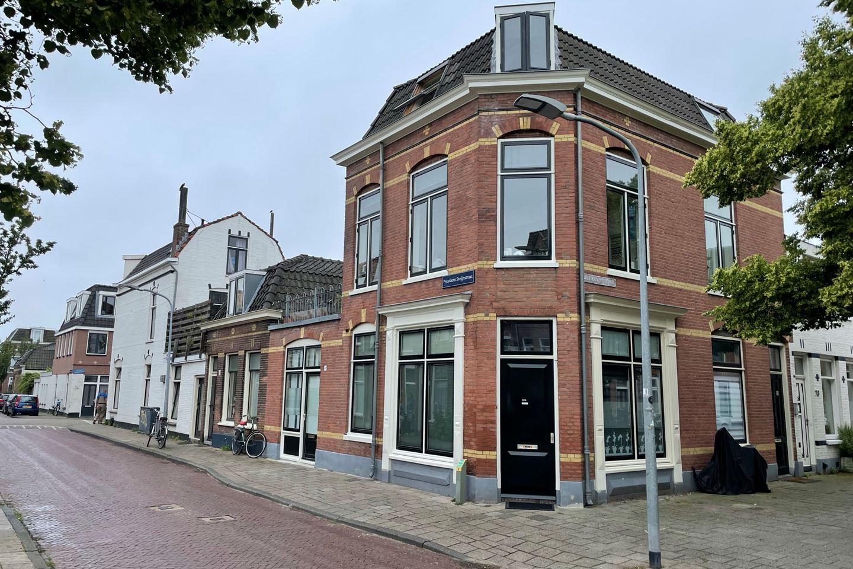 Bekijk foto 1 van Paul Krugerstraat 80 rood