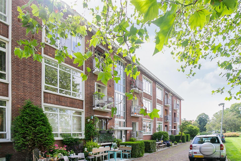 Bekijk foto 3 van Louis Couperusstraat 8